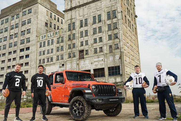 World's Toughest Touchdown: Danny Cipriani and Dylan Hartley in American Football Jeep Wrangler Trick Shot Challenge