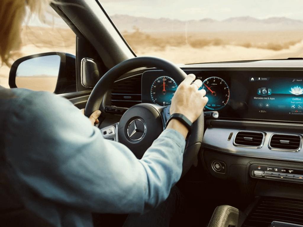 Woman driving gle