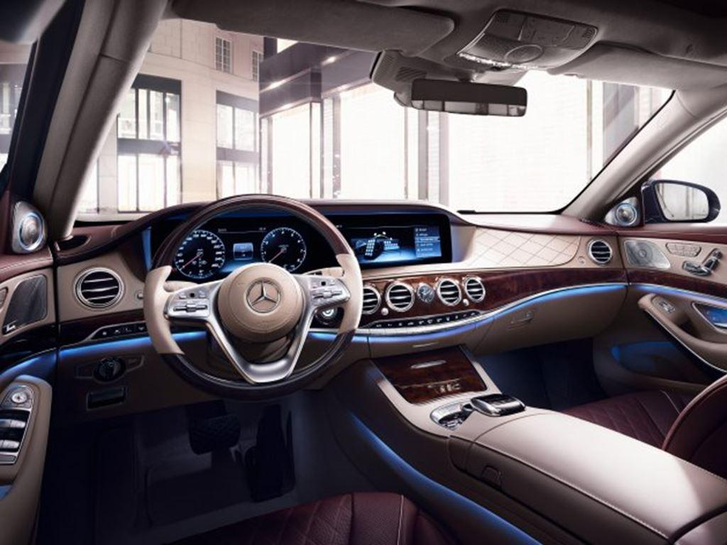 S-Class Saloon Front Dash