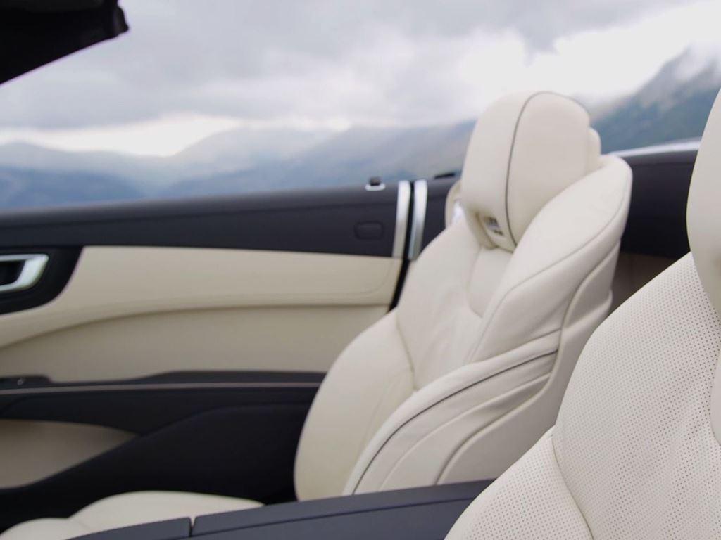 SL Roadster Interior Cream Seats