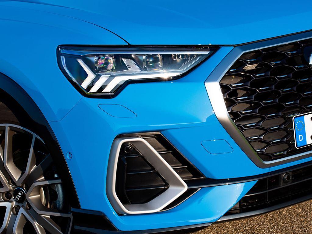 Q3 Sportback blue front headlight