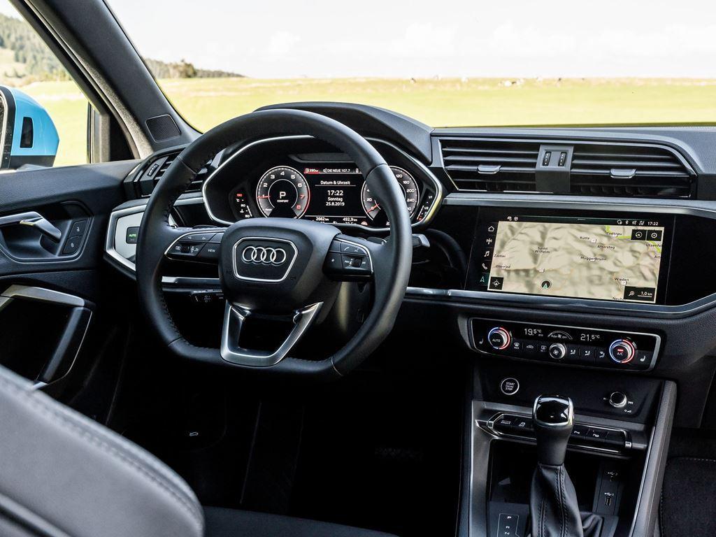 Q3 Sportback interior dashboard and wheel