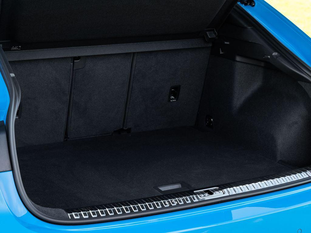 Q3 Sportback boot space