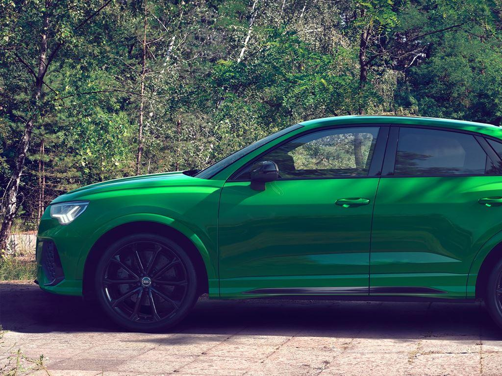 Side view of a green RS Q3