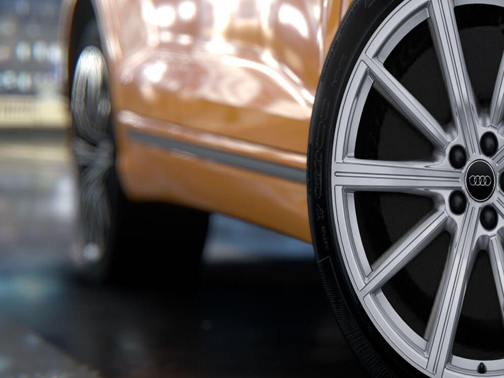 RS Q8 alloy wheel
