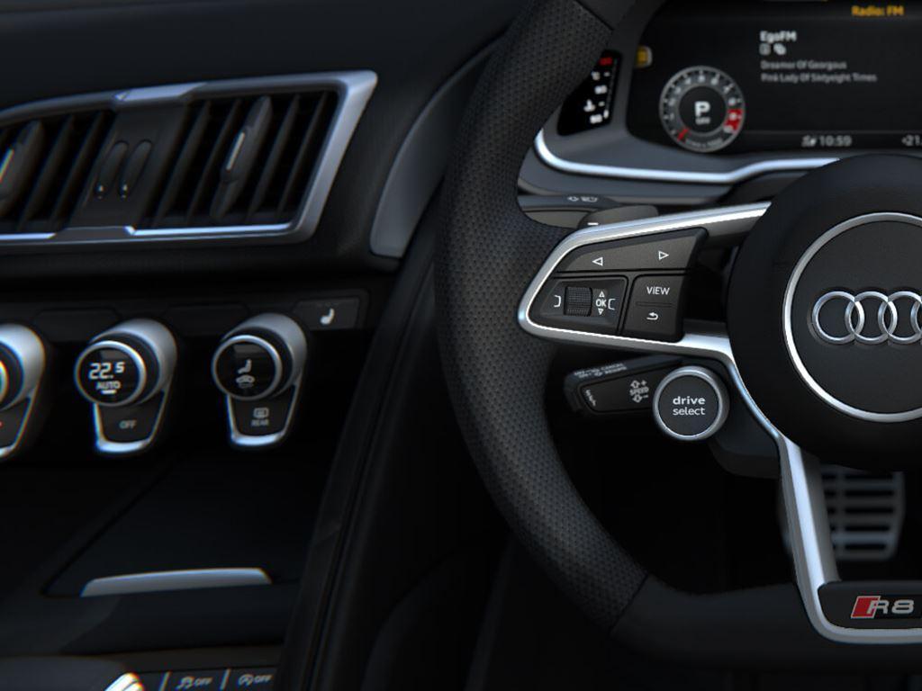 R8 Spyder steering wheel