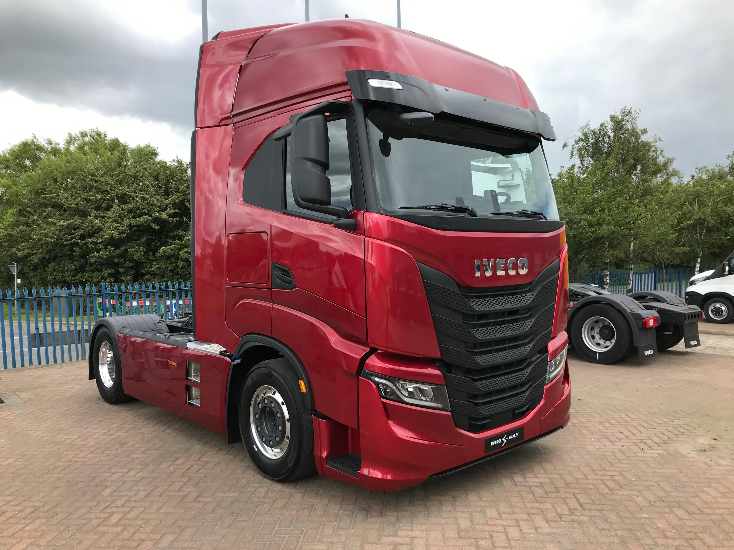 Stunning IVECO S-WAY launched in the UK