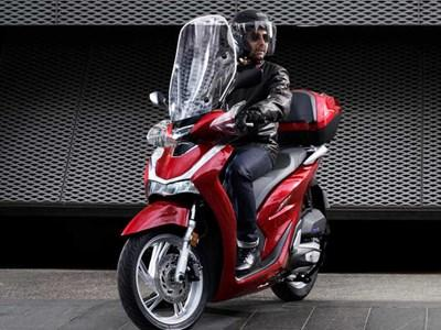 Honda - SH125i + TOP BOX Offers