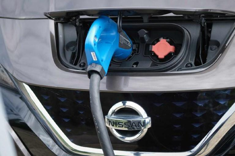 Parking up to power business: E.ON and Nissan announce major V2G project milestone