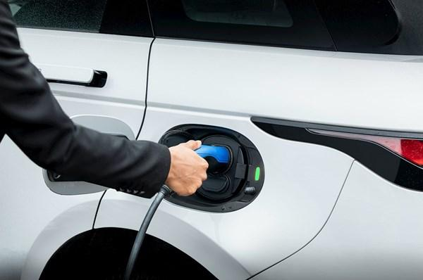 Fleet Management: Jaguar Land Rover PHEV & EVs