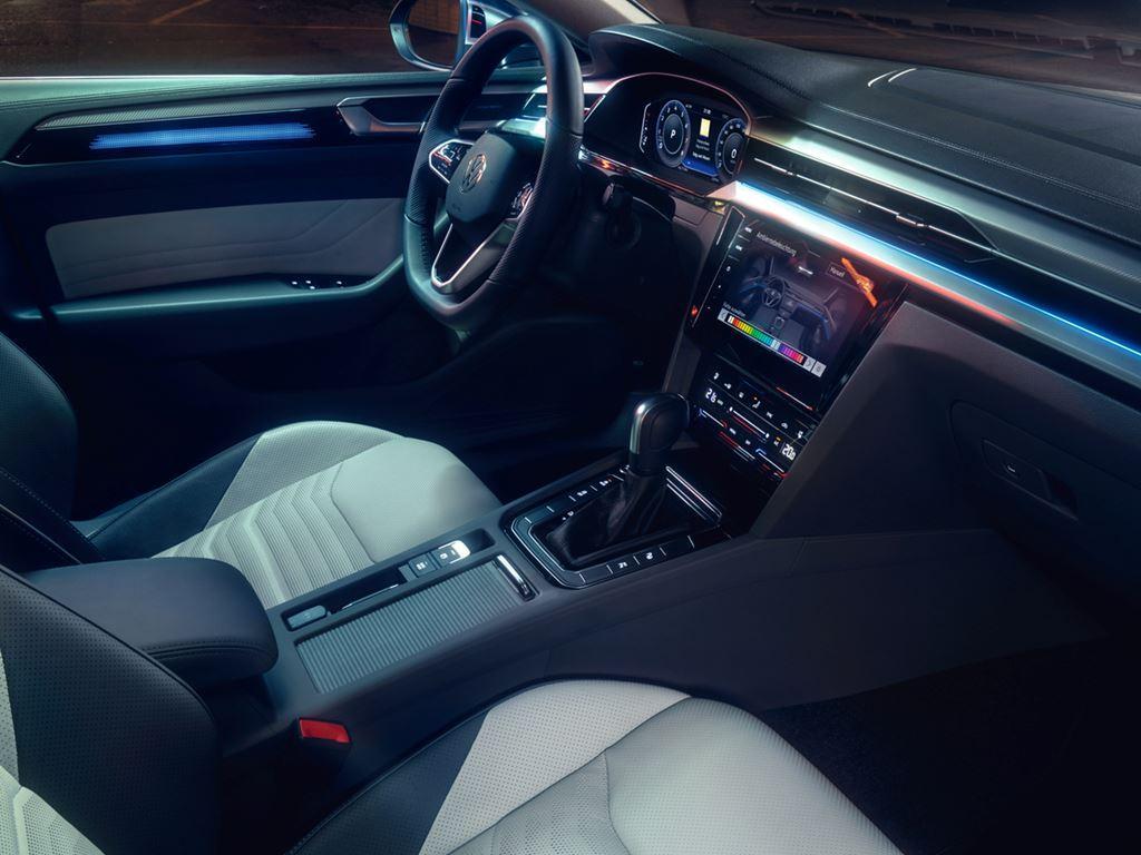 Volkswagen Arteon Shooting Brake Front interior