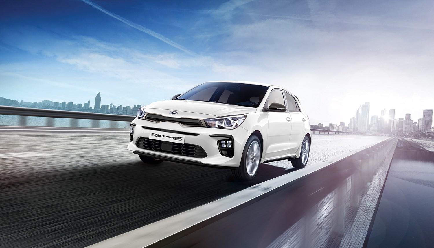 New Kia Rio 2021 in white