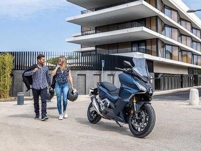 Honda Motorcycles - NSS750 Forza