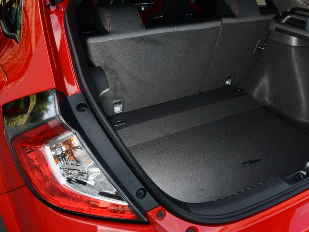 startin honda - boot space - type r boot space