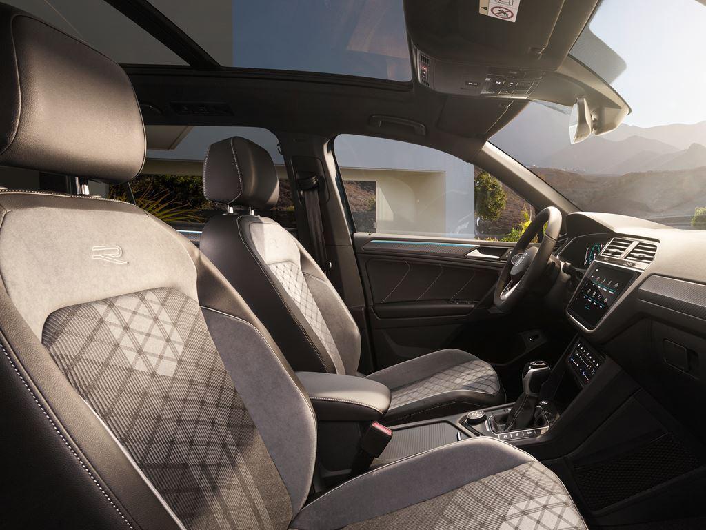 New VW Tiguan Interior front seats