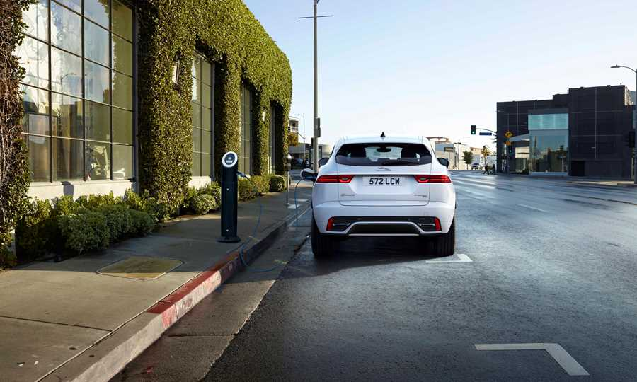 Compact SUV with its unique combination of looks, agility and dynamic driving. Now also available as a Plug-in hybrid