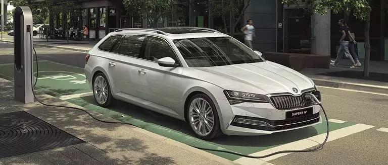 ŠKODA SUPERB Estate IV Business Offer