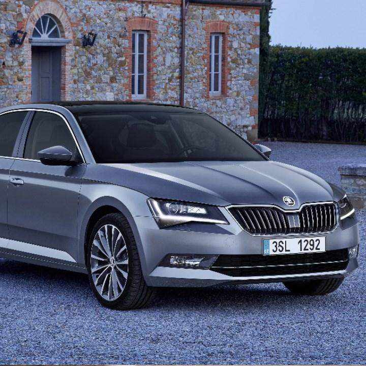new Skoda Superb iV front view