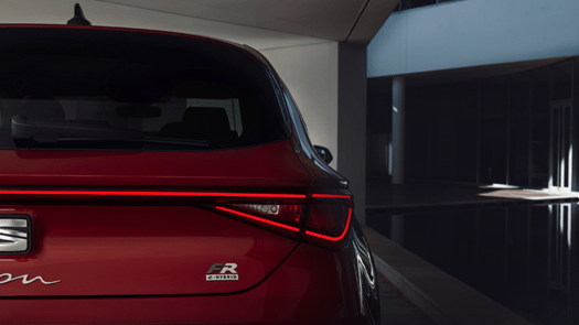 SEAT Leon e-HYBRID wins accolade at Driving Electric Awards