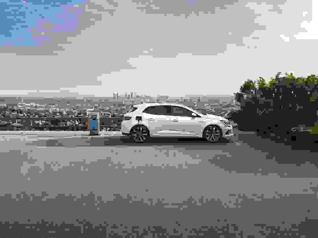 New Renault Megane and New Renault Megane Sport Tourer E-Tech plug-in hybrid