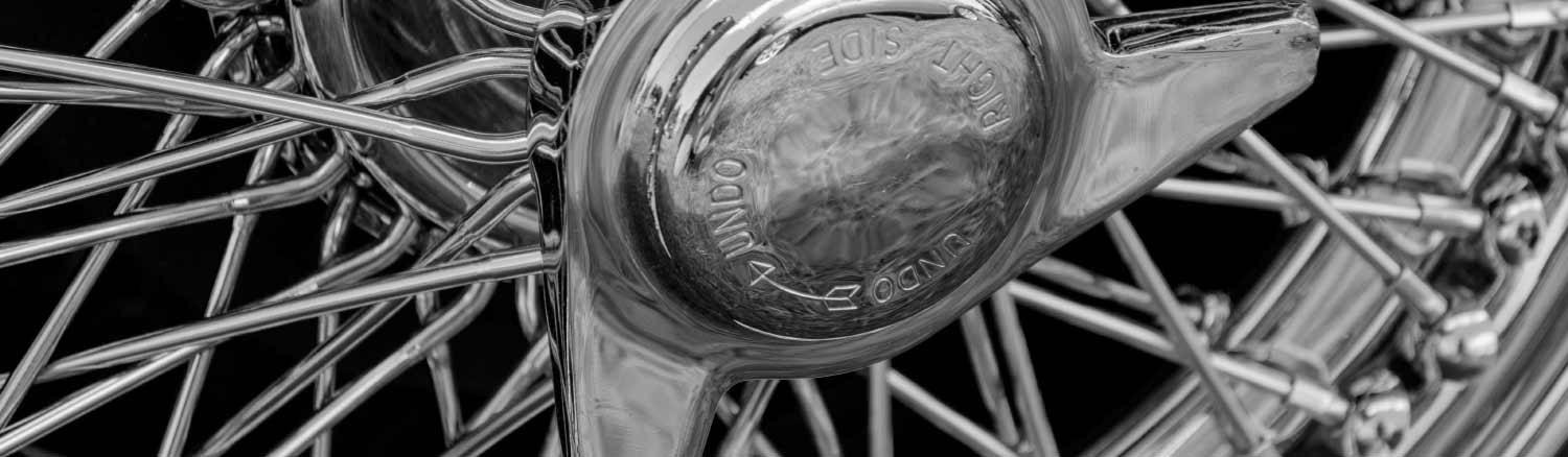 close up of heritage car alloy