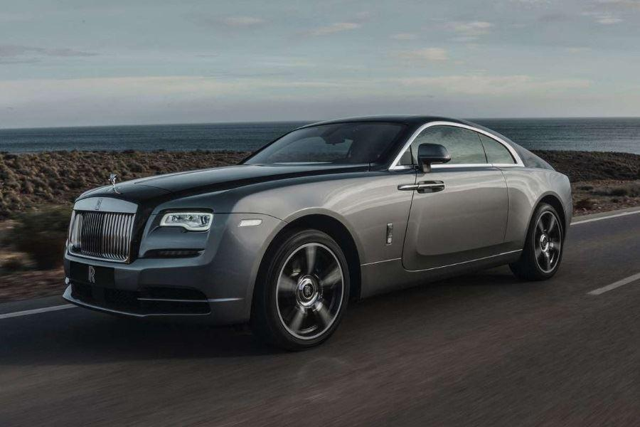 front of rolls-royce wraith