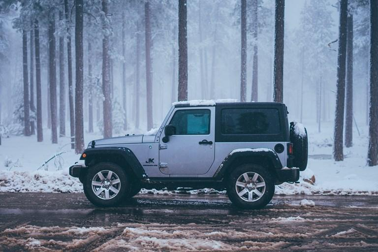 What is the Best 4x4 to Drive Through Snow?