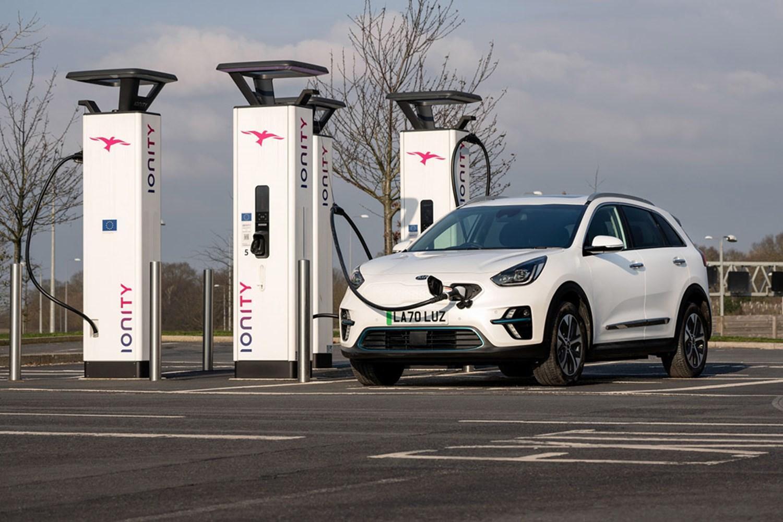 Kia e-Niro charging at station